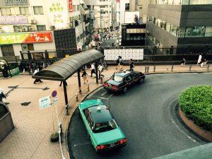 (2) タクシー乗り場